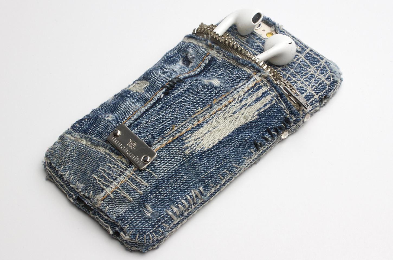 iPodsも入るポケットつきデニムiPhoneケース